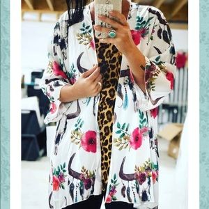 🆕 Lucky & Blessed Floral Bullhead Kimono Cardigan